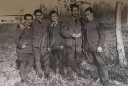 Corrado FIOR (il terzo da sinistra)