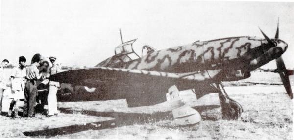 Uno dei Macchi M.C. 205 con cui fu compiuto un lancio dimostrativo di manifestini su Roma il 9 ottobre 1943. La città fu sorvolata lungo la direttrice Ponte Milvio - Porta San Paolo.