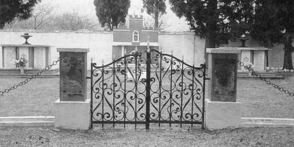 Cimitero del Gruppo di combattimento Friuli (1997)